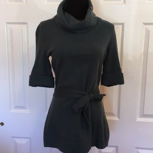 Beautiful Green Wool Sweater. Size Medium.